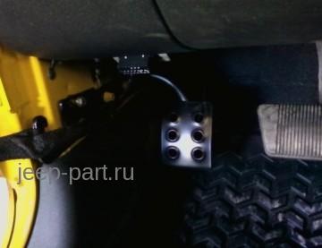 Упор для левой ноги ( третья педаль ) Jeep Wrangler JK