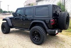 В России стартуют продажи нового внедорожника Jeep Wrangler